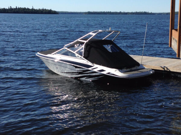 Used 2009 Four Winns H200 Frenzy LTD Edition, 5.0L, Wakeboard Tower, LE