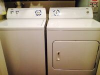 Washer and dryer / laveuse et secheuse