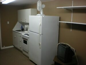 Bachelor Apt for rent near down town  Heat & Elect included