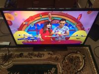 40 inch smart celcus led Tv very good condition The only problem is sometimes it turns off