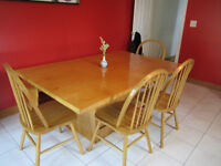 Wood Harvest Kitchen Table and Chairs (Honey Colour)