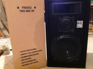 Pair of 2 New AST X2-1500 Speakers For Sale - $80.00
