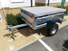Erde 143 trailer with cover