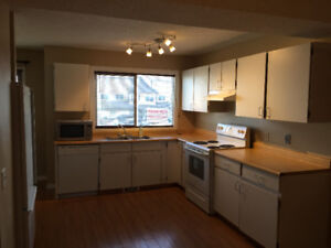 Thickwood Townhome 3+1BR/2.5BT. Pets allowed. Available NOW!