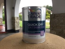 Dulux Trade Quick Dry Brilliant White Paint