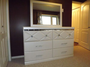 Dreamur Champagne Pearl 6 Drawer Dresser with Mirror