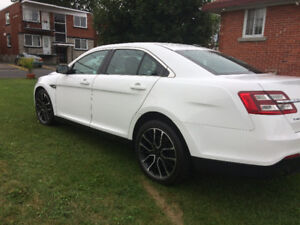 FORD TAURUS 2015 LIMITED AWD FINANCEMENT MAISON