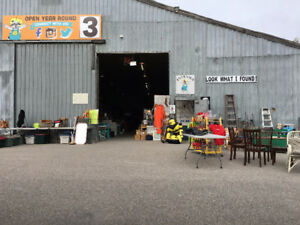 Indoor Flea Market -  INSIDE BARN #3 - COURTICE FLEA MARKET