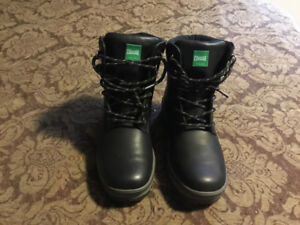 Cougar Boots Worn once.