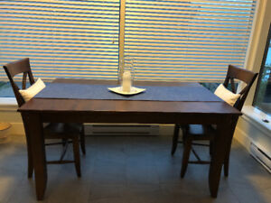 Canadel Canadian dining table & 2 chairs