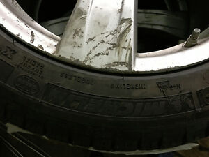 255/45R18 Michelin X-Ice Xi3 pneus d'hiver mags Mercedes TPMS West Island Greater Montréal image 3