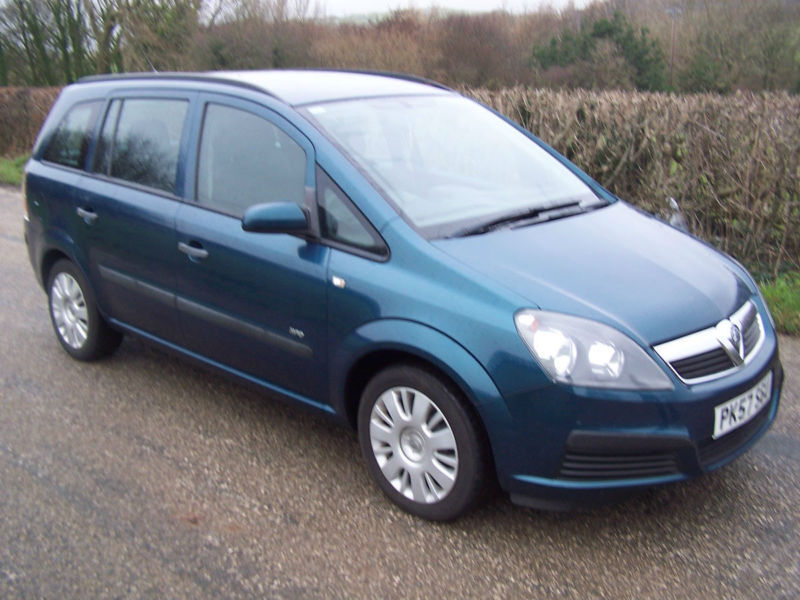 2007 57 plate vauxhall opel zafira 16v life only 68 000 miles with fsh in barrow in. Black Bedroom Furniture Sets. Home Design Ideas
