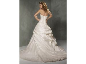 maggie sottero sabelle grown and veil  London Ontario image 4