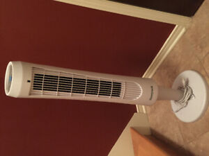 Ventilator tower fan oscillating with remote control