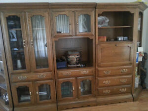 Wooden Entertainment Bar Display Unit