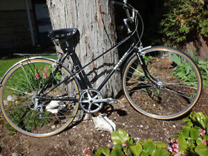 "Retro ""Raleigh"" Ladies Cruiser Bicycle"