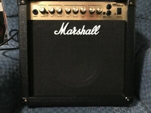 Guitar Amp - Marshall MG15DFX
