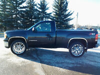 0pl2007 z71 GMC SIERRA 4x4 priced for quick sale !