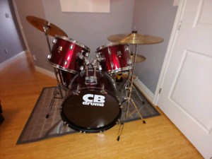 Drum kit - 8 piece CB red