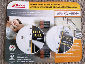 LED escape light smoke alarms, with batteries