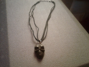 LEATHER NECKLES WITH GREEN MARBLE FACE