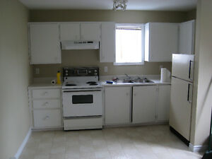 One bedroom available in Airport Heights
