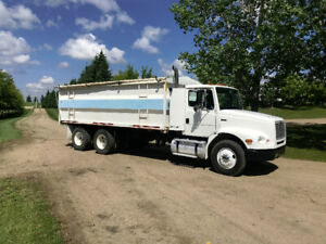 1996 Freightliner FL 112 w/ 20' grain box for sale