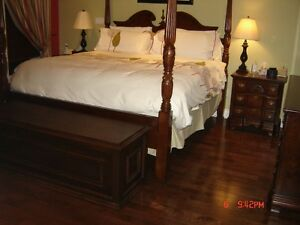 4 Post Cherry Bedroom Set de Chambre 4 Colone Cerisier de Luxe