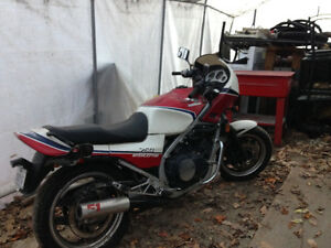 Honda interceptor 1984 a vendre