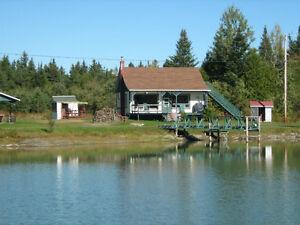 Chalet au bord d'un lac privée