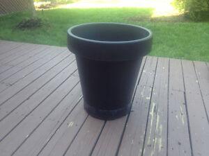 pot pour plante noir