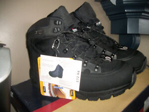 NEW........MENS LEATHER THINSULATE BOOTS  size 10