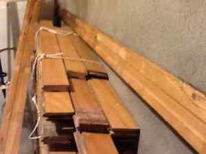 Plancher de merisier usagé à vendre