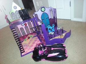 Monster High High School + Draculaura Car + Doll Strathcona County Edmonton Area image 4