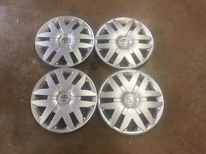 toyota hubcaps 16 inches