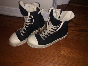 Rick Owens converse size 39 sell it for 400right now