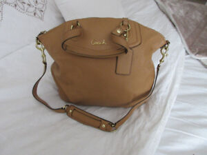 PRISTINE CONDITION COACH BAG
