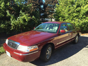 2005 Grand Marquis GS - low kms