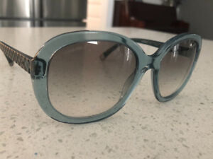 Numerous name brand sunglasses ~ all authentic