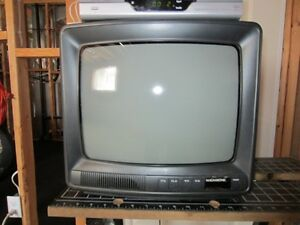 14 INCH COLOUR TV AND SATELLITE RECEIVER-READ ENTIRE AD