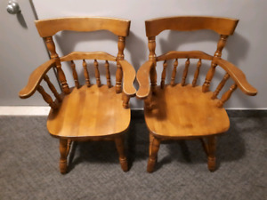 2 Chaises Capitaines