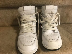 Mens very gently used Jordan 1's