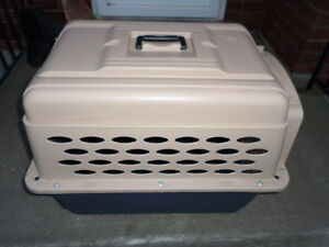 Very Solid Petmate Dog Kennel With Chrome Door