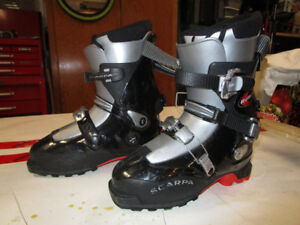 Scarpa back country ski boots