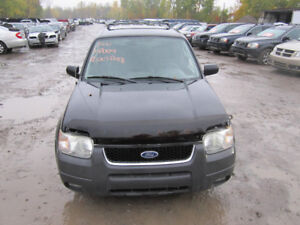 2004 Ford Escape ** FOR PARTS ** INSIDE & OUTSIDE***