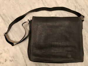 GIVENCHY BLACK COWHIDE MESSENGER/LAPTOP BAG 100% AUTHENTIC!