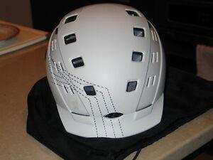 Smith Ladies' Variant brim helmet & a Anthem Goggles (new)