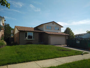 Beautiful Westminster Renod House 3 BDR 1.5 Bth With 2 Car Garge