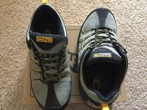 Dakota used men's safety shoes in great condition. Size 8EE.