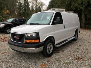 GMC Savana Cargo Van Low KMs / Local 2015